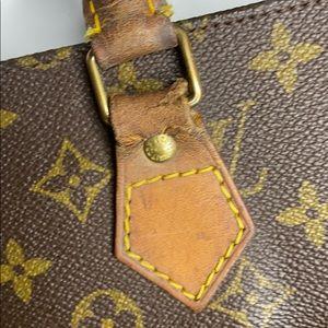 Louis Vuitton Bags - Louis Vuitton large monogram tote